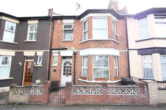 Thumbnail Terraced house for sale in Sunnycroft Road, London