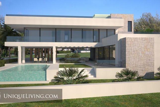5 bed villa for sale in Benahavis, Costa Del Sol, Spain