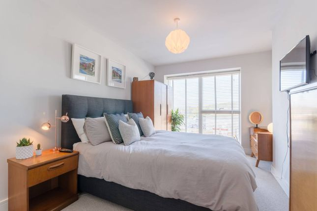 Thumbnail Flat to rent in Jacks Farm Way, Highams Park