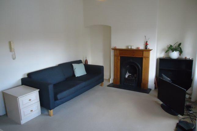 Thumbnail Flat to rent in Kenwood, Highgate