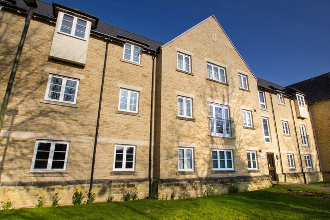 Thumbnail Flat to rent in Wilkinson Place, Witney