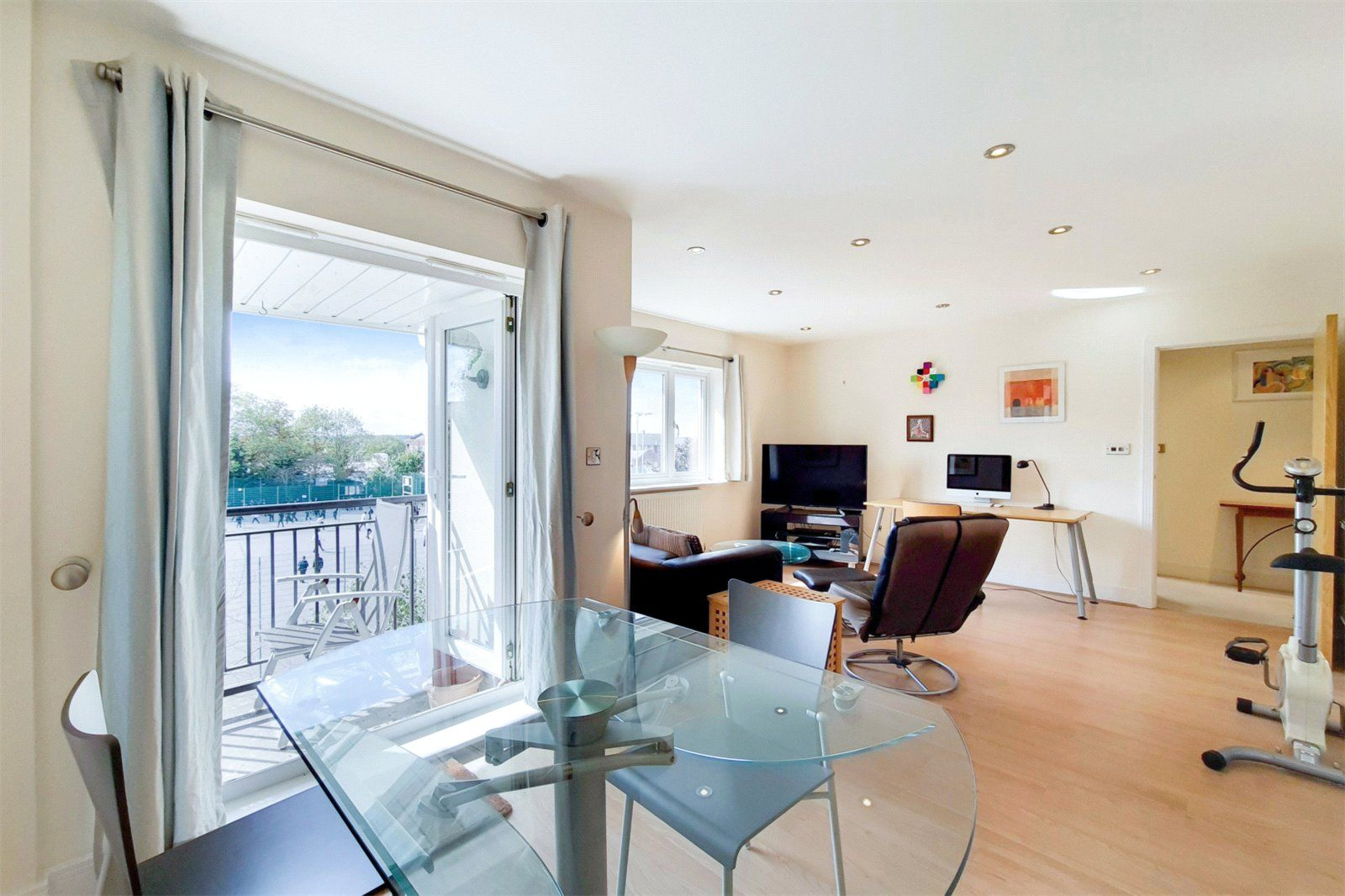 Property photo 1 of 7. Picture No. 05