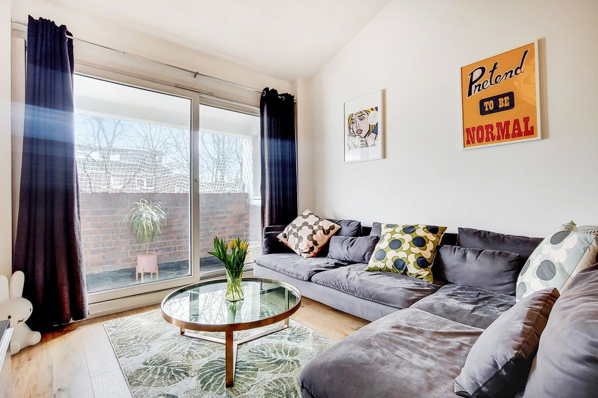 32 bed flat for sale in Holland Walk, London N329   Zoopla