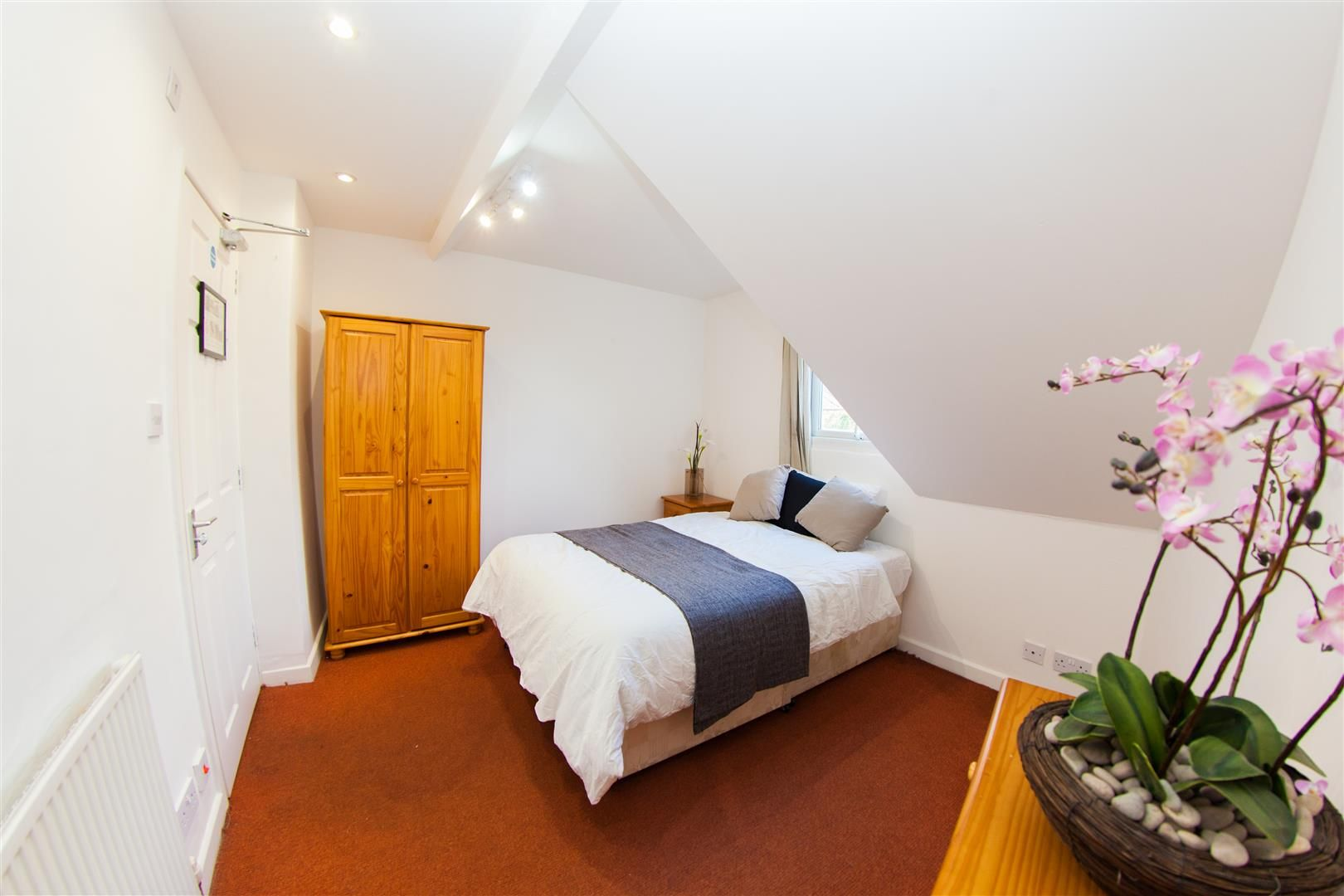 Room To Rent In Derby Rd Worcester City Centre Worcester Wr5 Zoopla