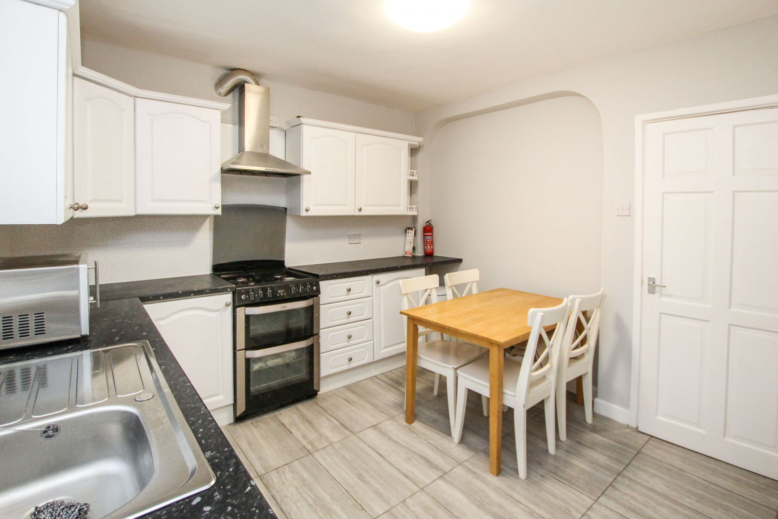 Property photo 1 of 14. Hermitage Road, Loughborough University, Le11 4Pa - Stunning Four Bedroom