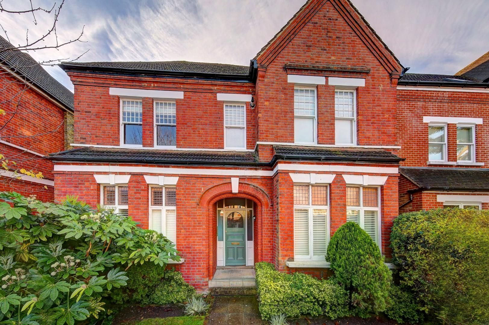 Property photo 1 of 6. 5_45_Vicarage_Road_Front_12307_4.Jpg