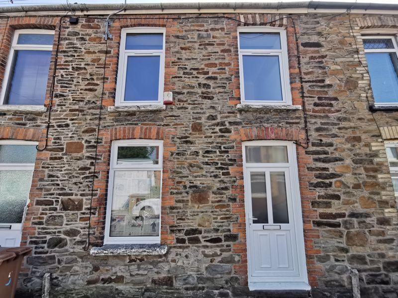 Property photo 1 of 11. Photo 12