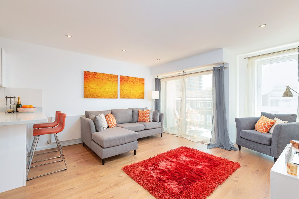 Property photo 1 of 7. Showhome Lounge