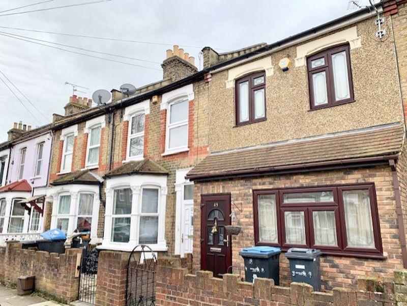 Property photo 1 of 11. Photo 4