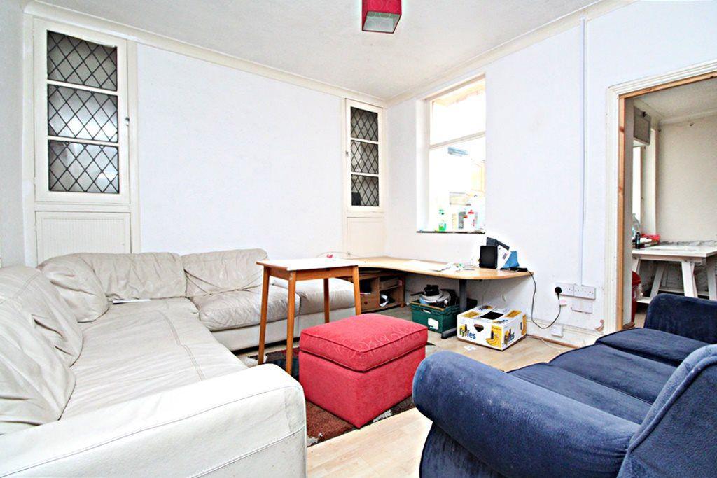 Property photo 1 of 6. 2_Lounge