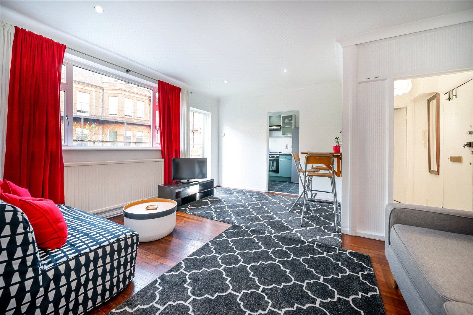 1 Bed Flat To Rent In College House Finchley Road Swiss Cottage London Nw3 Zoopla