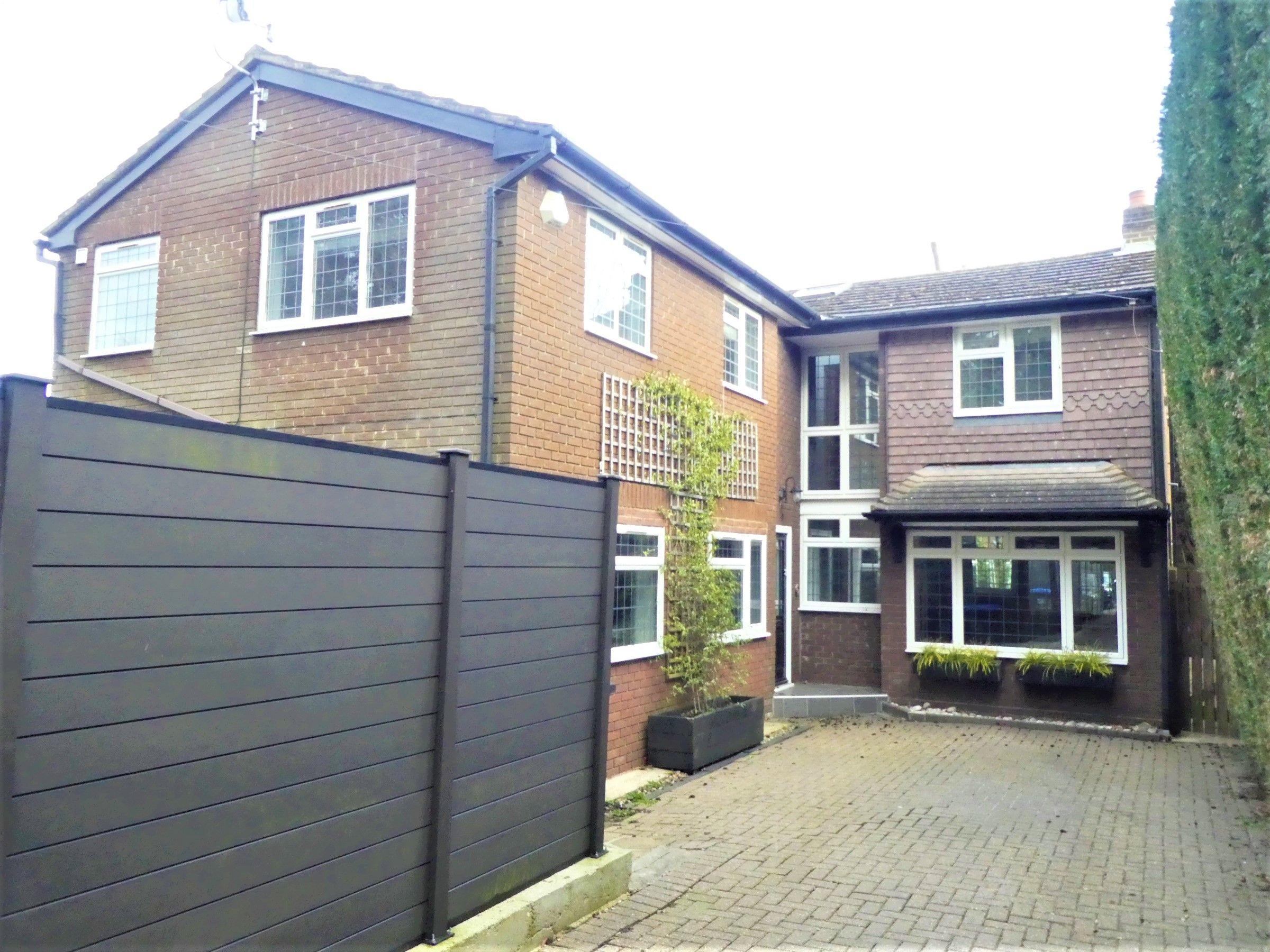 Property photo 1 of 28.