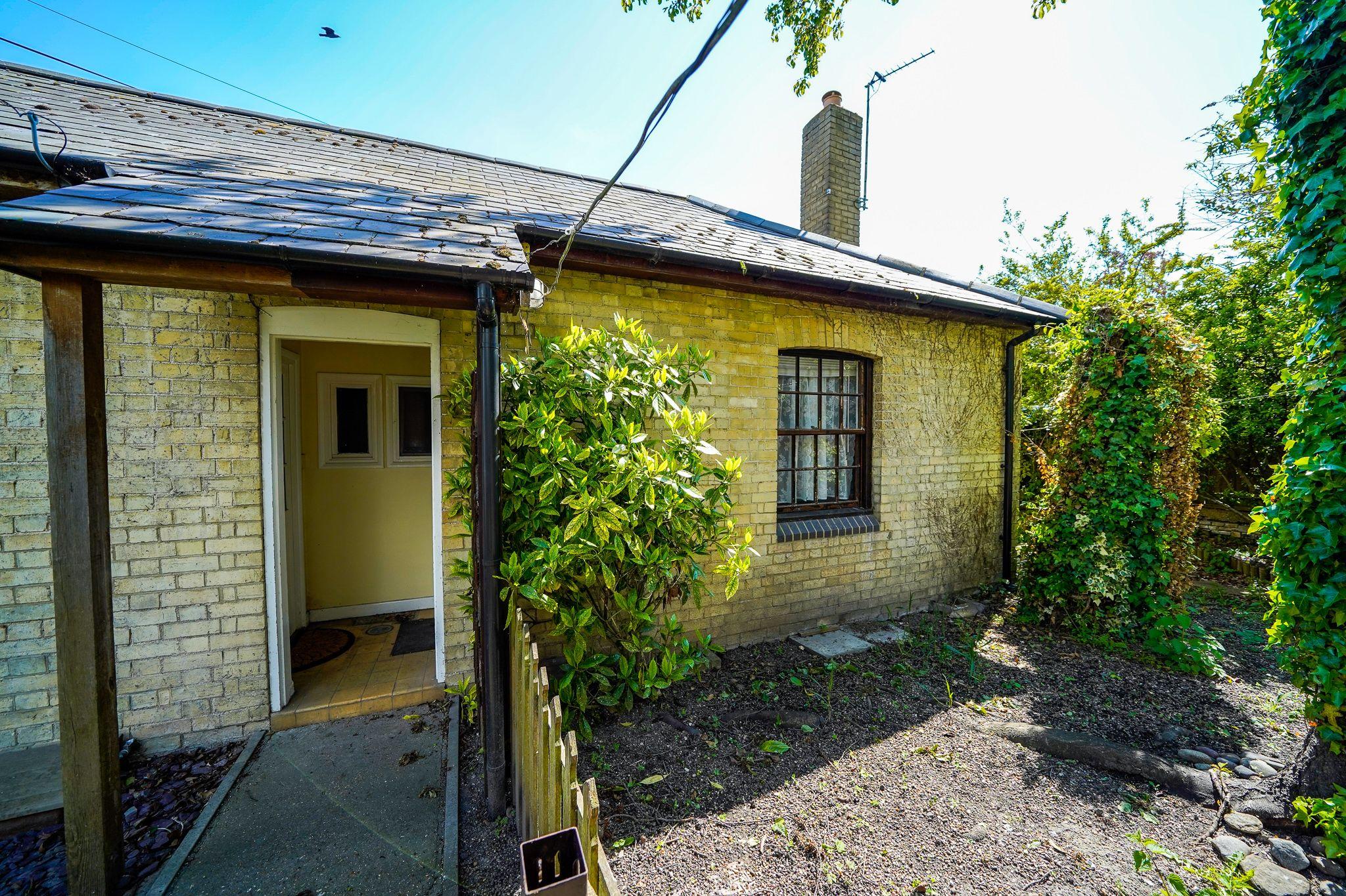 Property photo 1 of 7.