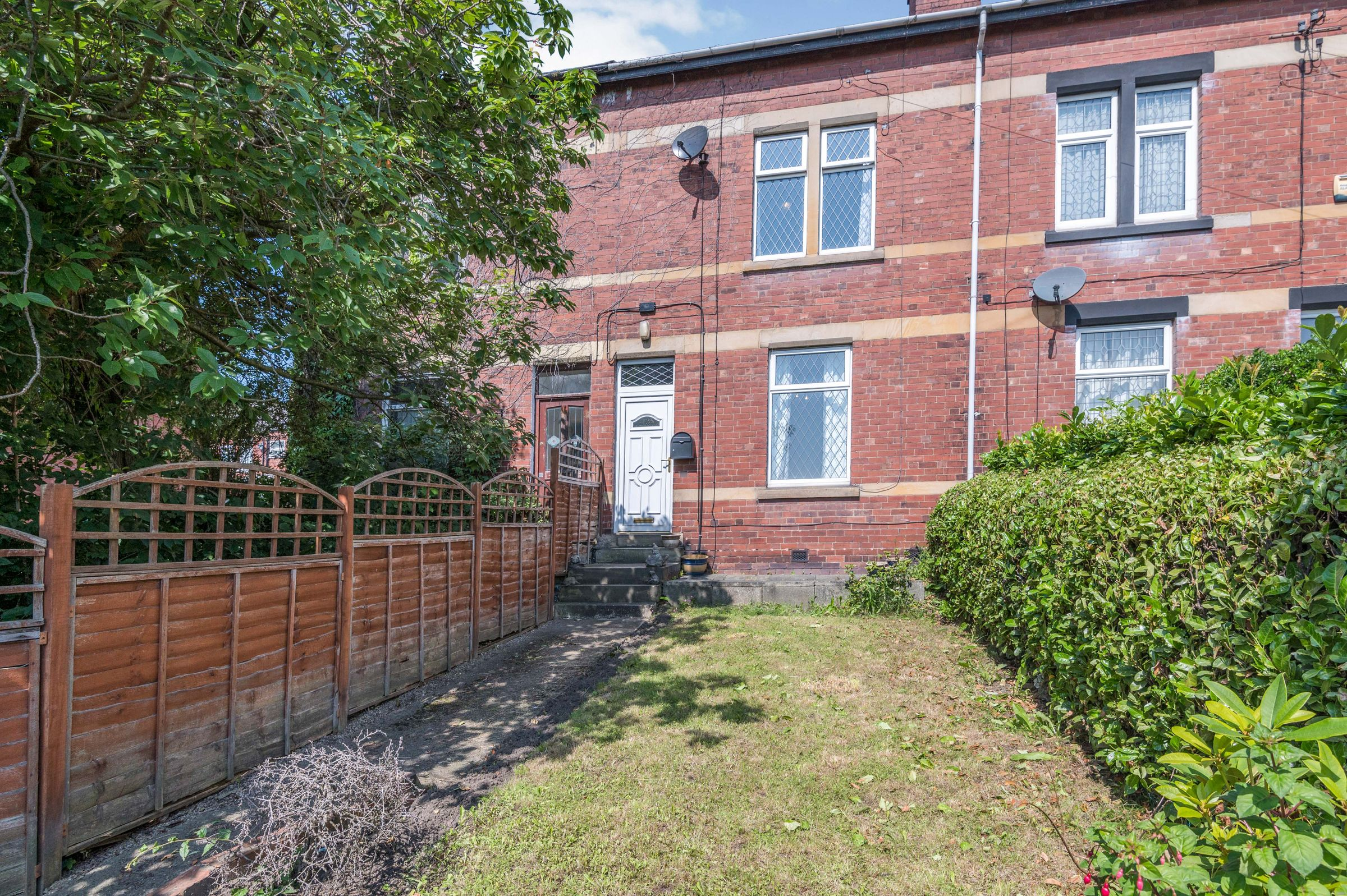 Property photo 1 of 12. Outside