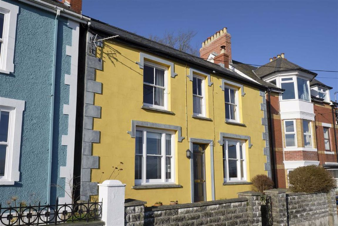 Property photo 1 of 17.