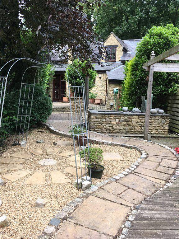 Property photo 1 of 8. Reard Garden