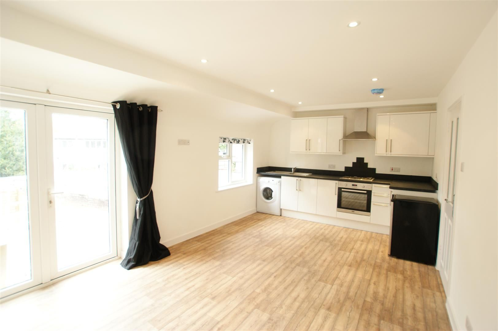 Property photo 1 of 3. 13A Molesey Road liv Kitchen.Jpg