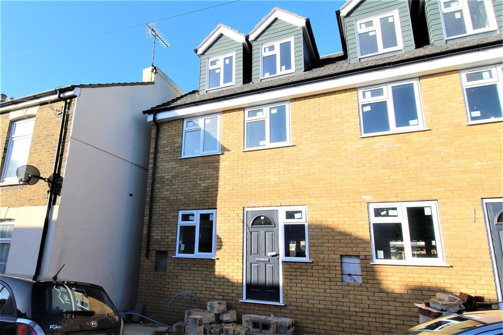 Property photo 1 of 2. Description