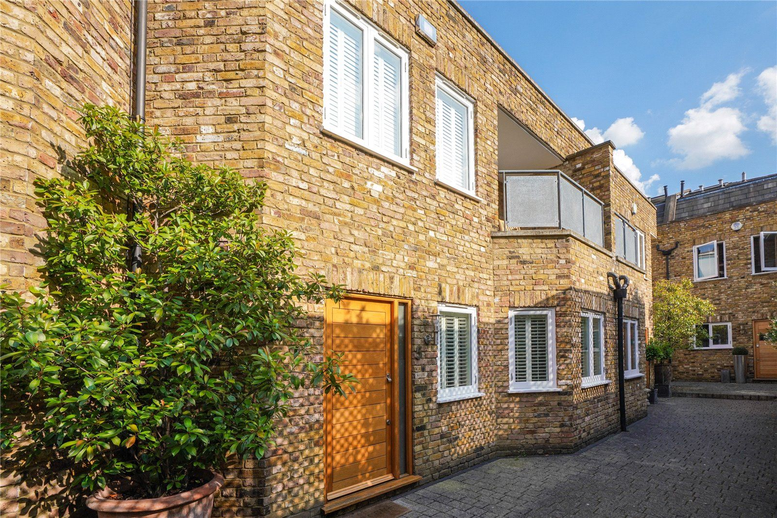 Property photo 1 of 16. Picture No. 06