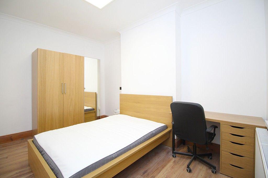 Property photo 1 of 19. Bedroom (Main)
