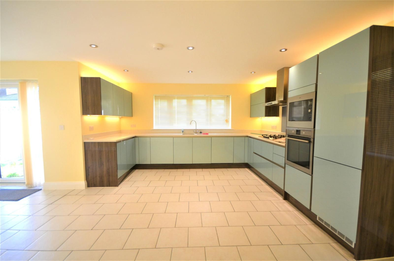 Property photo 1 of 14. Four Bedroom Detached House