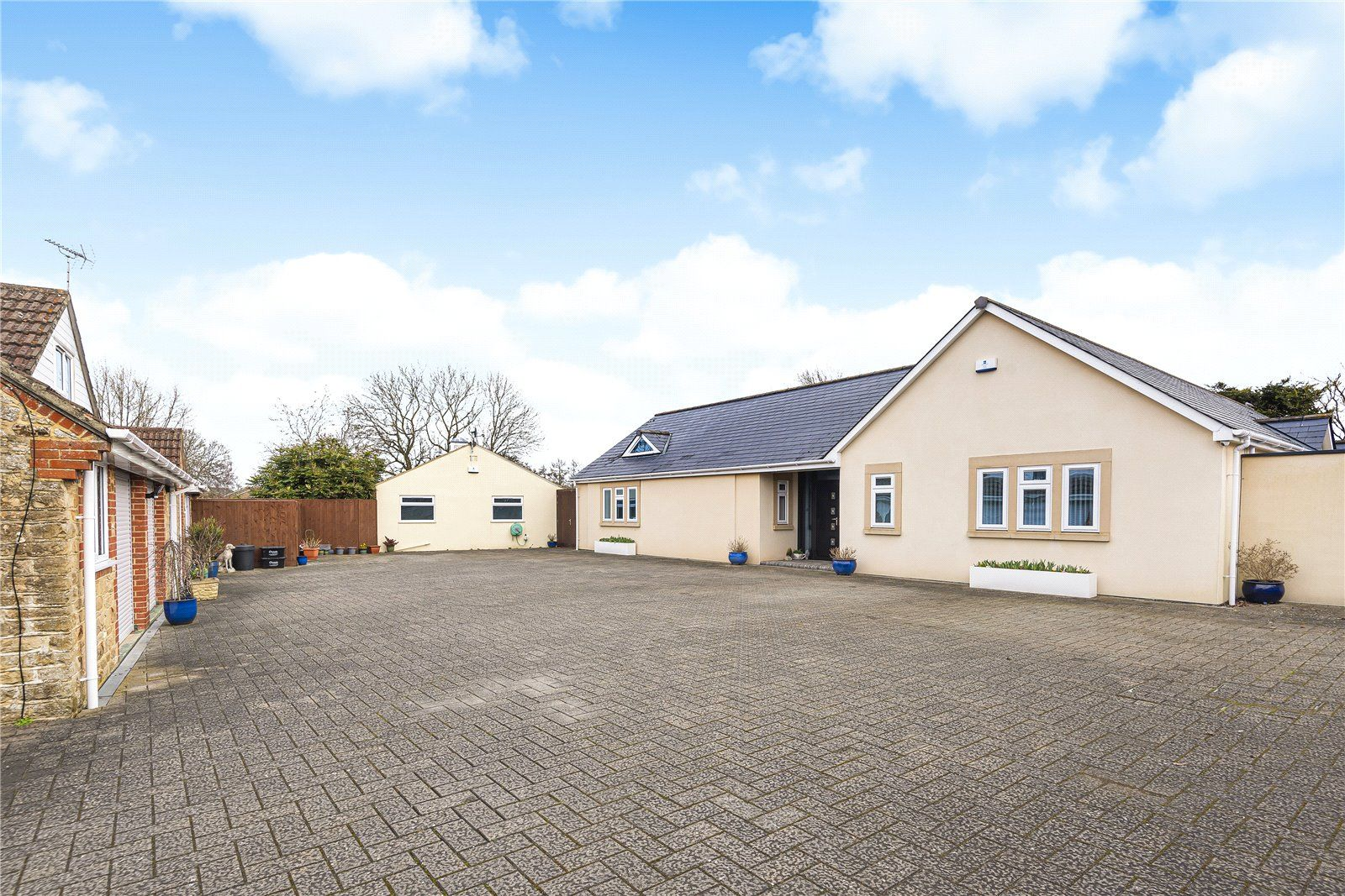 4 Bed Bungalow For Sale In Stratton Swindon Sn3 Zoopla