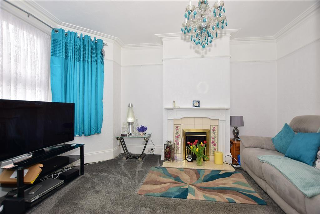 Property photo 1 of 10. Lounge