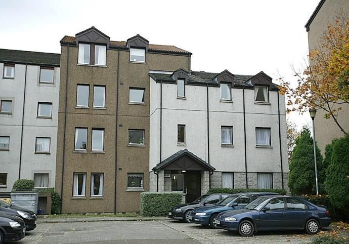 Property photo 1 of 5. External View Headland Court
