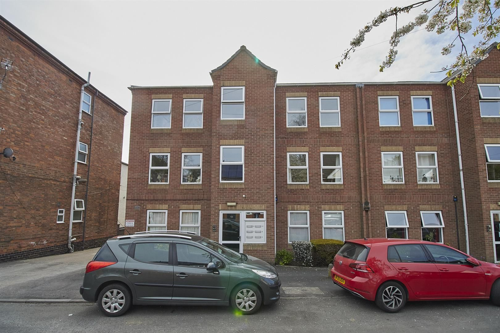Property photo 1 of 7. Clarence Court, Hinckley  6.Jpg