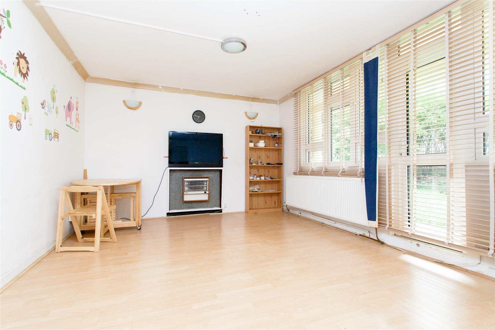 Property photo 1 of 8. Gastigny House (2).Jpg