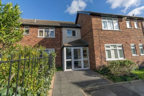 Property photo 1 of 7. Grested Court, Rochford SS4