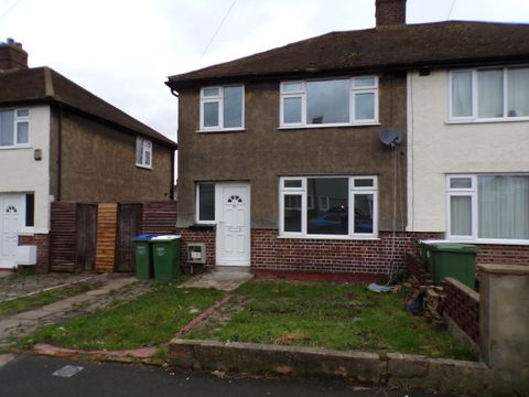 Property photo 1 of 9. Front of Northumberland Park, Erith DA8