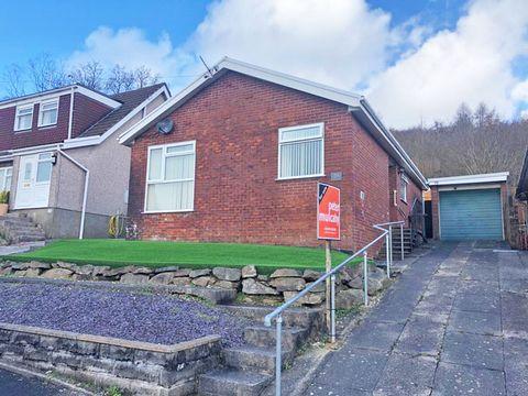 Property photo 1 of 12. Heathlands, Ystrad Mynach, Hengoed CF82
