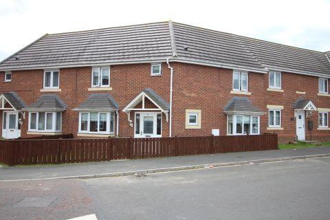 Property photo 1 of 13. Maddren Way, Middlesbrough TS5