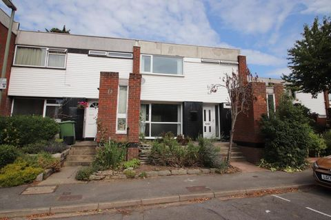 Property photo 1 of 14. Brantwood Drive, W Byfleet KT14