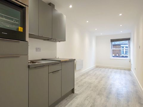 Property photo 1 of 4. Spencer Road, East Molesey KT8