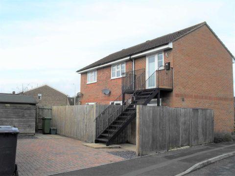 Property photo 1 of 6. Collins Close, Newbury RG14